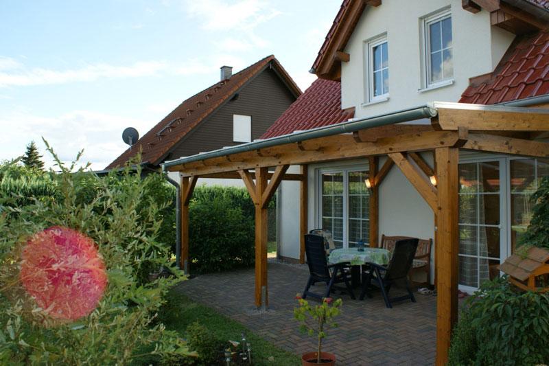 terrassen berdachung fichte leimholz mit plexiglas stegdoppelplatten. Black Bedroom Furniture Sets. Home Design Ideas